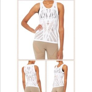 ALO YOGA The Vixen Fitted Muscle Tank